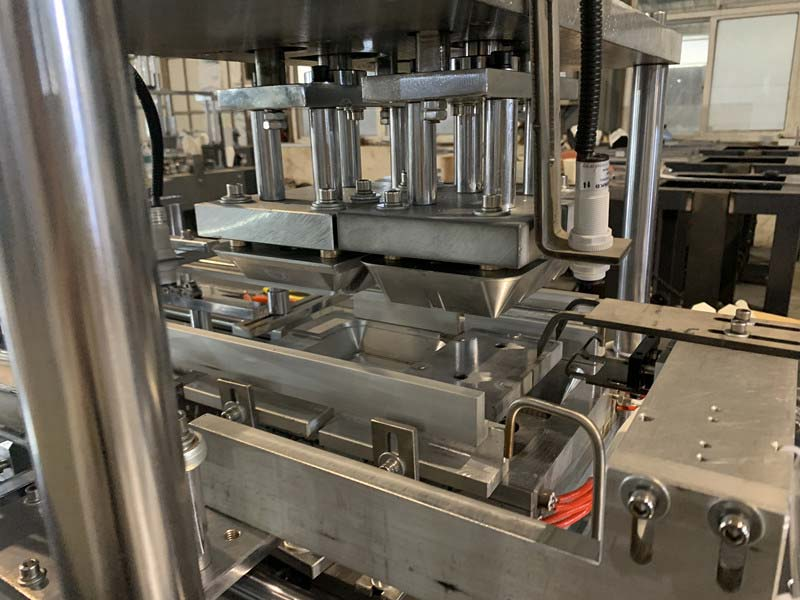 ZX-RB Automatic Lunch Box Making Machine 9